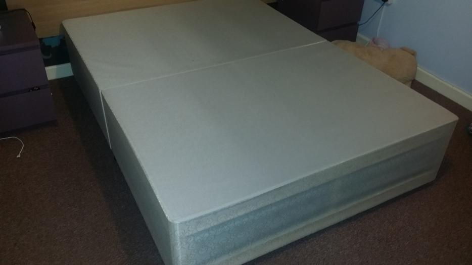 Double divan bed with mattress bloxwich dudley for Divan bed sheet