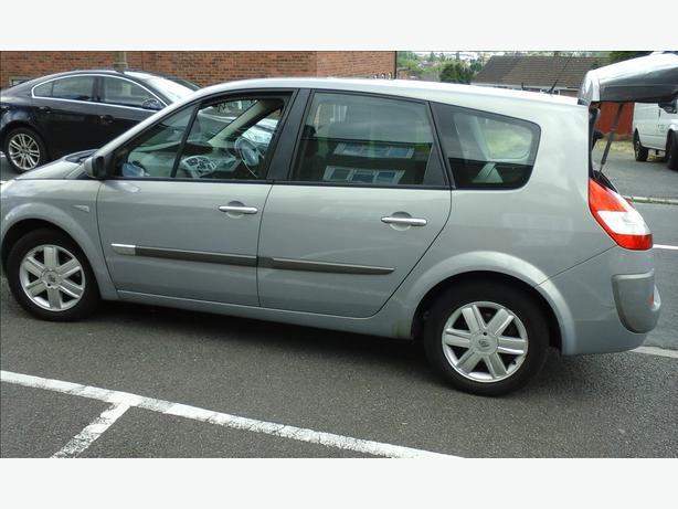 renault grand scenic dyn ique 16v 7 seater 05 plate low mileage dudley wolverhampton. Black Bedroom Furniture Sets. Home Design Ideas