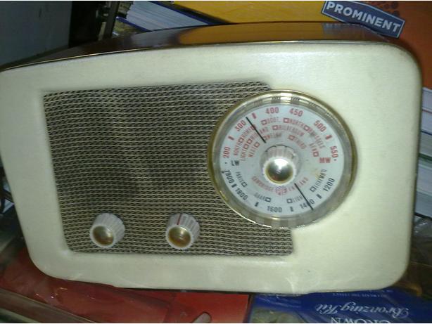 PYE VALVE RADIO