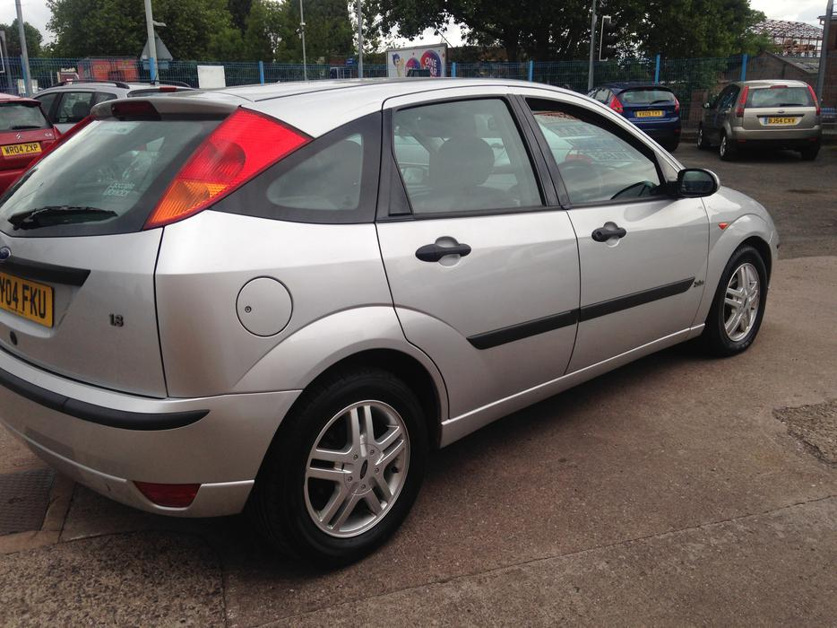 ford focus 1 8 zetec 9 service stamps only 80k bilston  dudley Automobile Owners Manual vauxhall zafira life 2004 owners manual
