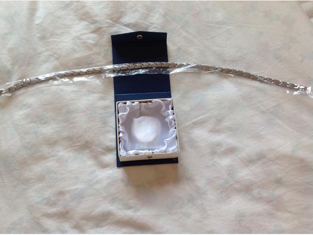 Men's 50 inch titanium neck lace boxed brand new