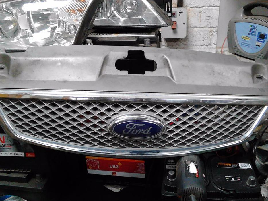 Ford Mondeo Mk3 Front Grill Willenhall Dudley