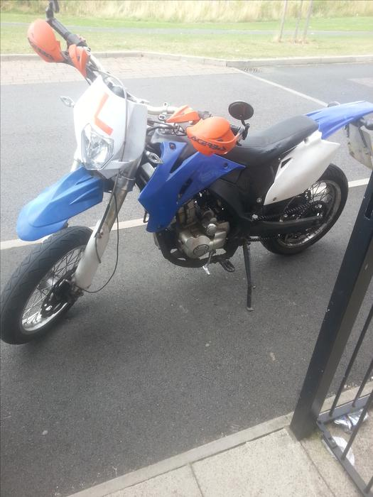 £600 · mikilon 125cc supermoto scram not moped