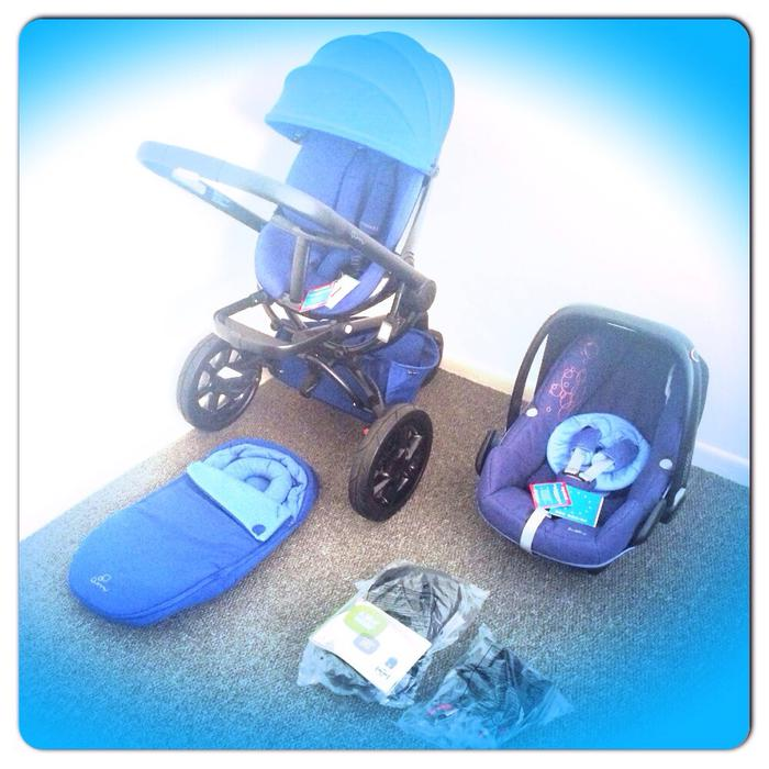 Quinny Moodd Pushchair In Blue Base With Maxi Cosi: Quinny Moodd NEW 2015 Blue Base System With Maxi Cosi