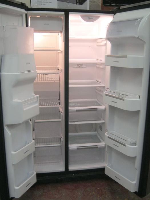Whirlpool Black American Style Fridge Freezer Water Ice