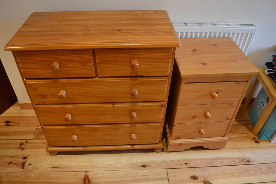 pine chest of drawers and tall drawers sandwell sandwell. Black Bedroom Furniture Sets. Home Design Ideas