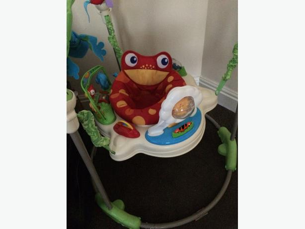 Buy Fisher-Price Rainforest Jumperoo at mixedforms.ml There are so many sights and activities to discover on this brightly colored jumperoo music, lights and exciting sounds reward baby with every jump!