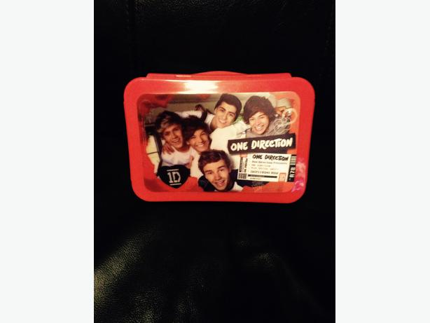 One direction sandwich box