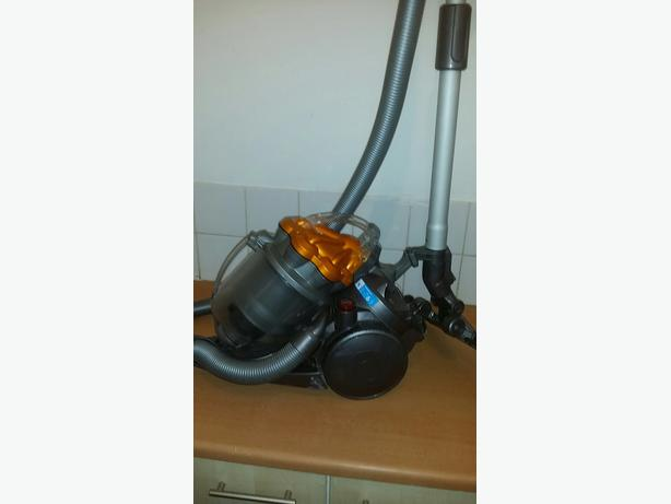 dyson dc19 cannister hoover vacuum walsall wolverhampton. Black Bedroom Furniture Sets. Home Design Ideas