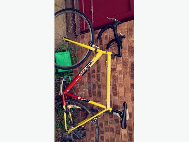 (Need gone) raleigh aveo road bike