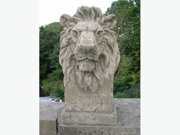 Gondwana lion, Very heavy large concrete statue