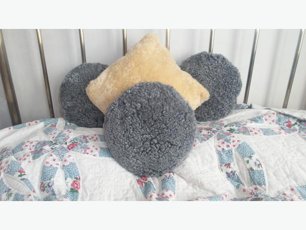 Brand new double duvet set\ real sheep skin cushions