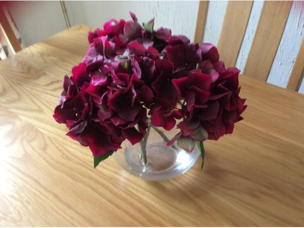 BEAUTIFUL VIBRANT PEONY SILK   flowers in glass bowl