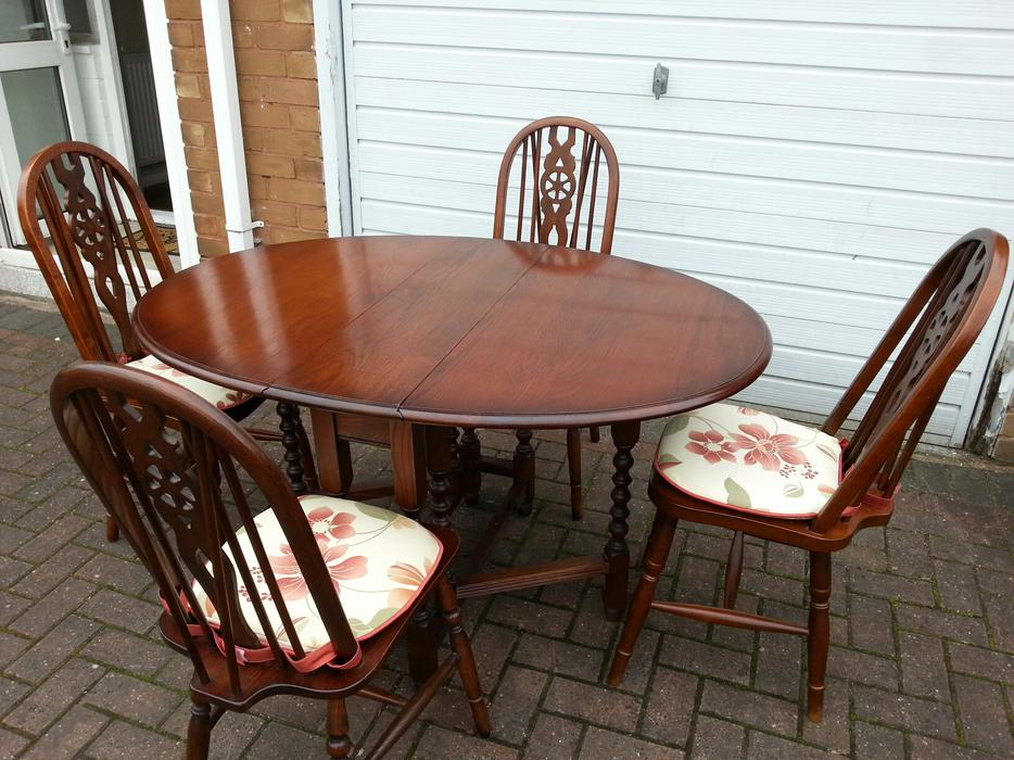 Old Charm Dining Table and Chairs WALSALL Wolverhampton : 104721603934 from www.usedwolverhampton.co.uk size 934 x 700 jpeg 110kB