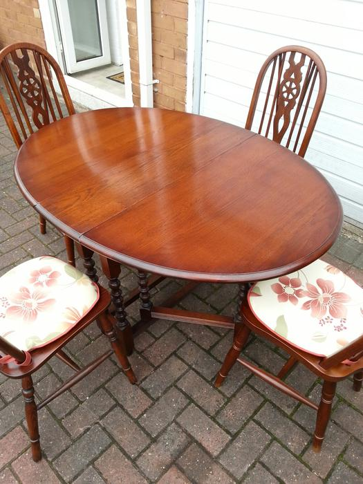 Old Charm Dining Table And Chairs WALSALL Dudley