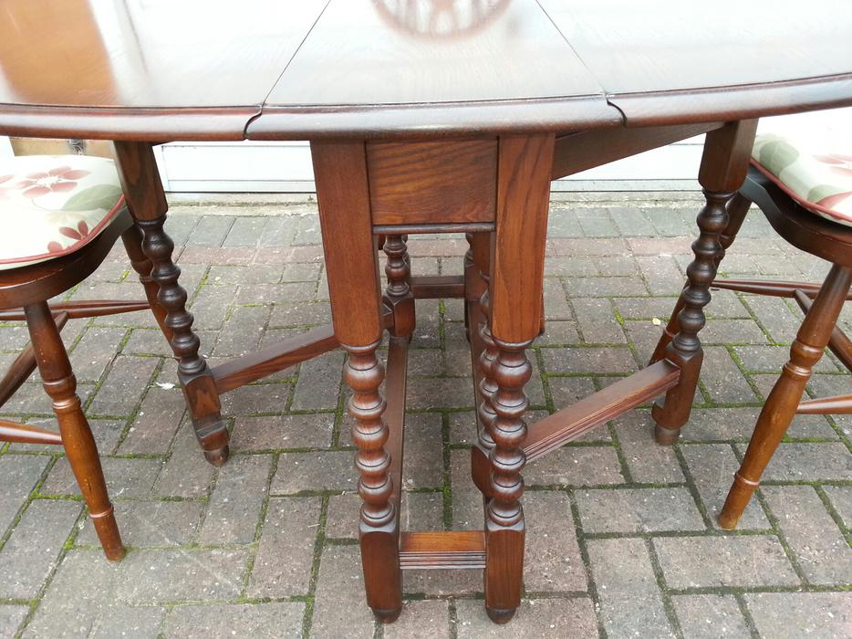 Old Charm Dining Table And Chairs WALSALL Wolverhampton