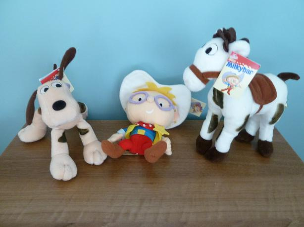 SET OF COLLECTIBLE NESTLE TOYS - RARE VINTAGE FIND
