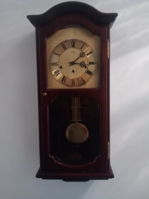mahogany chiming wall clock kingswinford wolverhampton