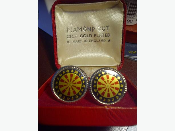 Antique Darts Cuff Links Diamond Cut Gold Plated - Boxed
