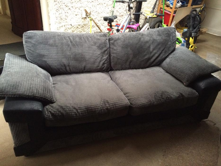 Black and grey sofa for sale wolverhampton wolverhampton for Black and grey couch