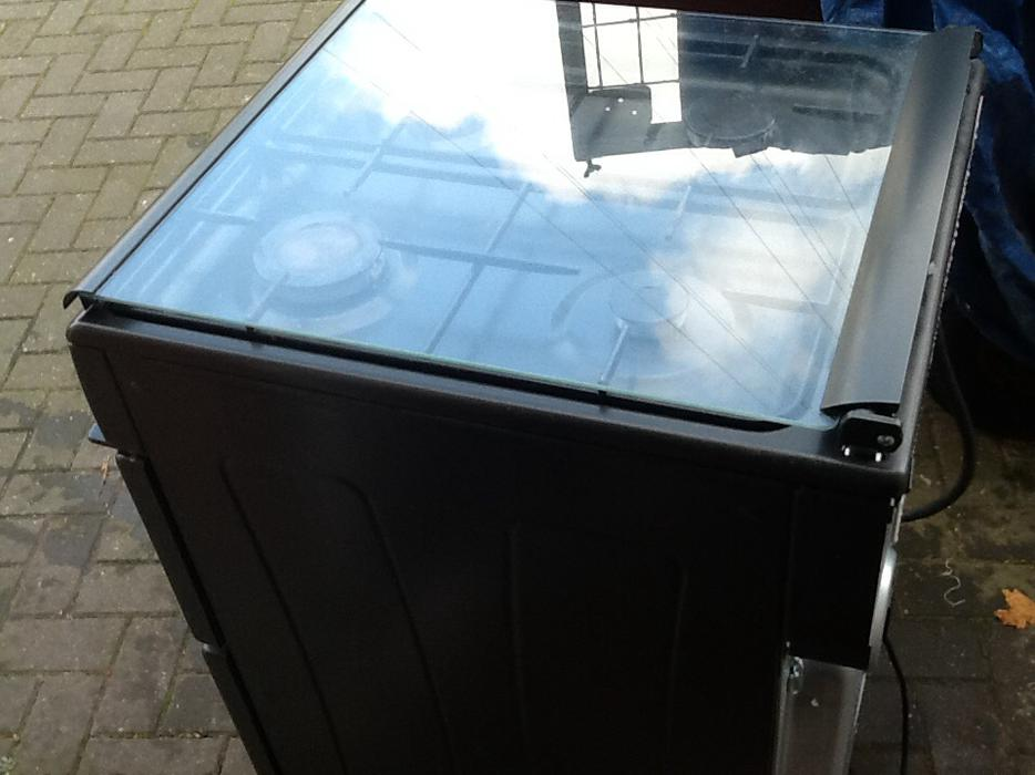 Glass Top Belling Gas Cooker Outside Black Country Region