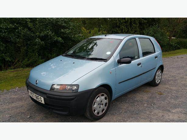fiat punto 1 2 2001 mot january other dudley. Black Bedroom Furniture Sets. Home Design Ideas