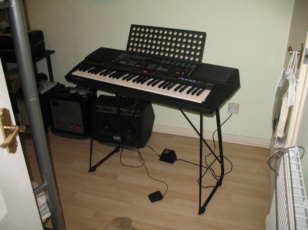 Yamaha psr 500 keyboard stourbridge dudley for Yamaha psr stand
