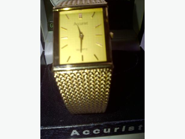 Classic Accurist Quartz Analogue Mens Watch - Vintage Never Worn