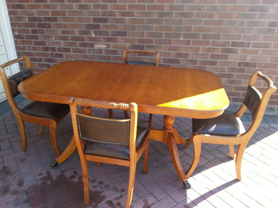 Dining Table and Chairs WALSALL Wolverhampton : 104791932934 from www.usedwolverhampton.co.uk size 934 x 700 jpeg 91kB