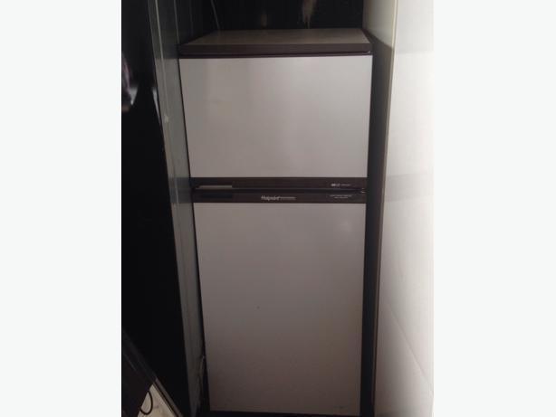 hotpoint iced diamond freezer user manual