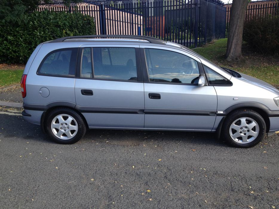 2002 vauxhall zafira 2 0 dti immaculate dudley dudley. Black Bedroom Furniture Sets. Home Design Ideas