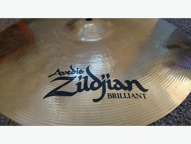 "Zildjian Avedis Brilliant 17"" Medium Thin Crash cymbal."