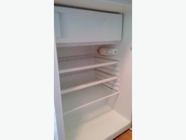 under counter fridge with freezer compartment brownhills. Black Bedroom Furniture Sets. Home Design Ideas