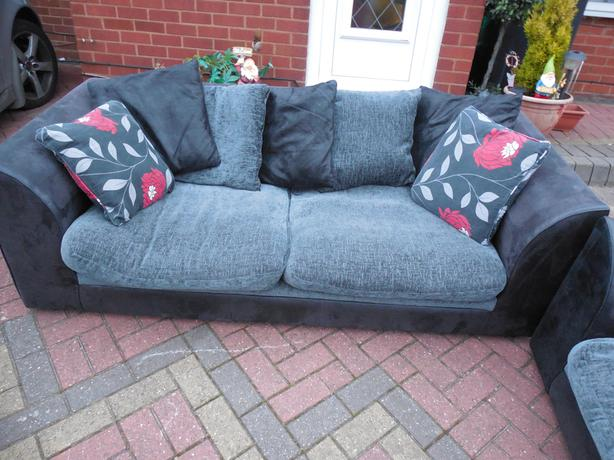 3 2 black suede leather sofa for sale brierley hill dudley for Suede couches for sale