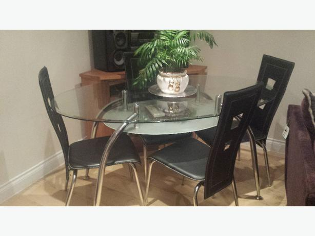 Black Clear Glass Dining Table 4 Chairs Wolverhampton Dudley