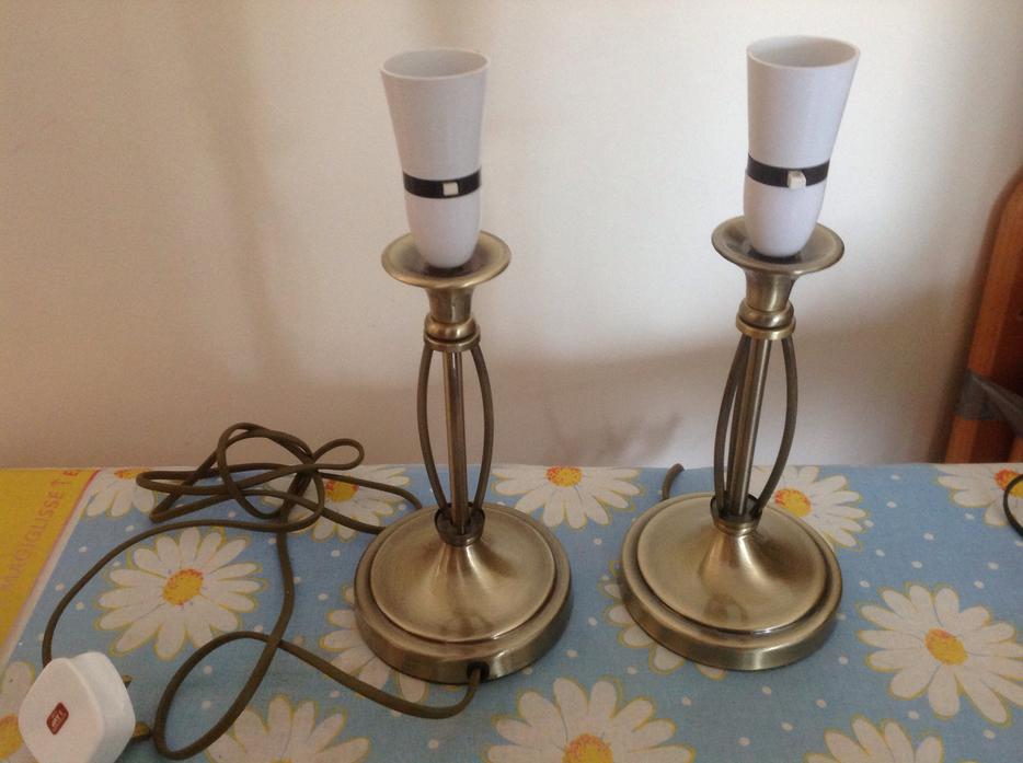 Country End Table Lamps: Brass Pair Of Side Table Lamps Outside Black Country