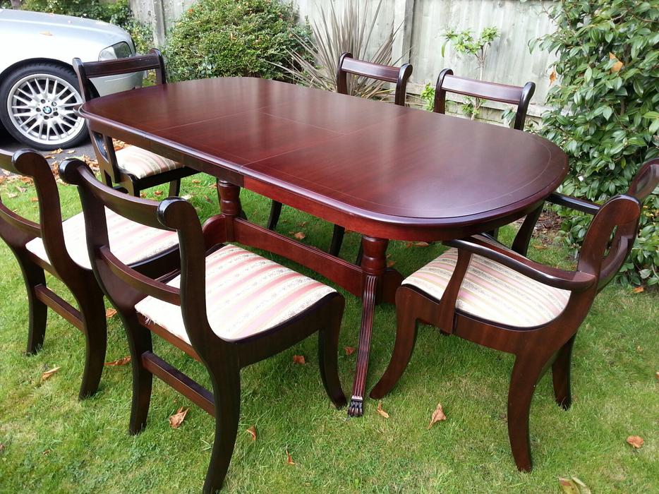 Dining Table and Chairs WALSALL Dudley : 104851901934 from www.useddudley.co.uk size 934 x 700 jpeg 153kB