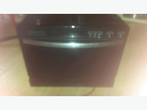 Black digital table top dishwasher perfect working order ? 40