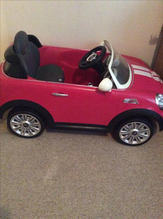 6v pink mini cooper s hot pink dudley dudley. Black Bedroom Furniture Sets. Home Design Ideas