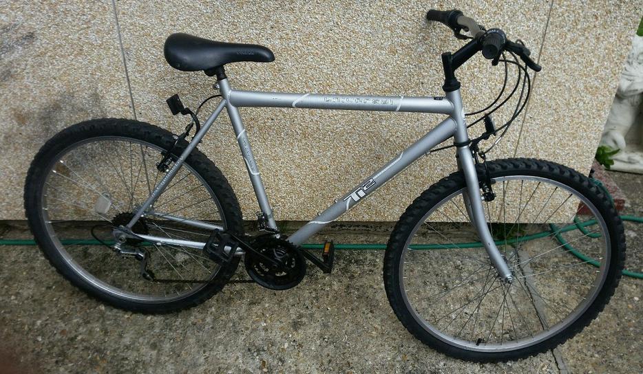 bike for sale universal ti 2 mens mountain bike 21. Black Bedroom Furniture Sets. Home Design Ideas