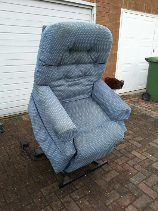 La Z Boy Electric Lift And Recline Armchair Walsall Dudley
