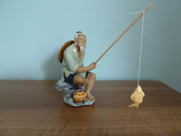 VINTAGE CHINESE POTTERY MUDMAN FISHERMAN