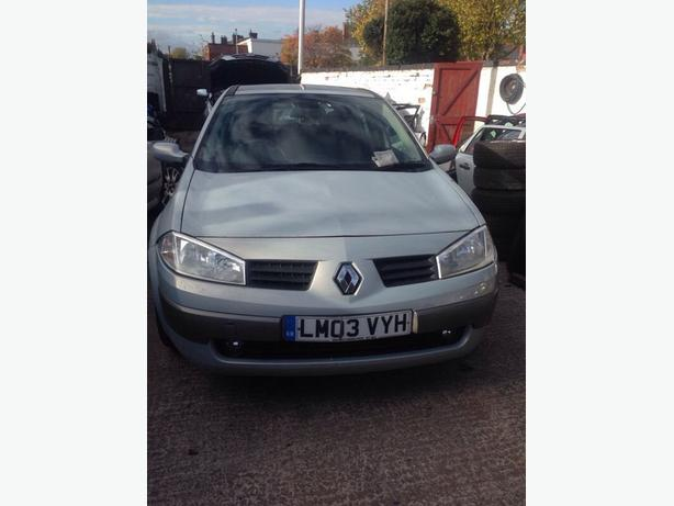 RENAULT MEGANE II HATCHBACK 5 DOOR 1.6 PETROL PLATINUM BREAKING SPARES PARTS