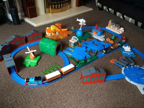 Tomy Trackmaster Thomas The Tank Engine Train Set Lots Of