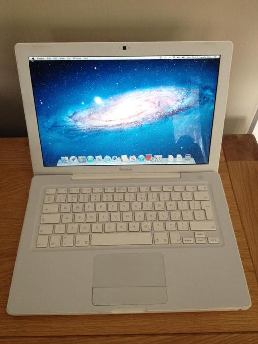 MacBook 2007 Unibody White Stourbridge, Dudley
