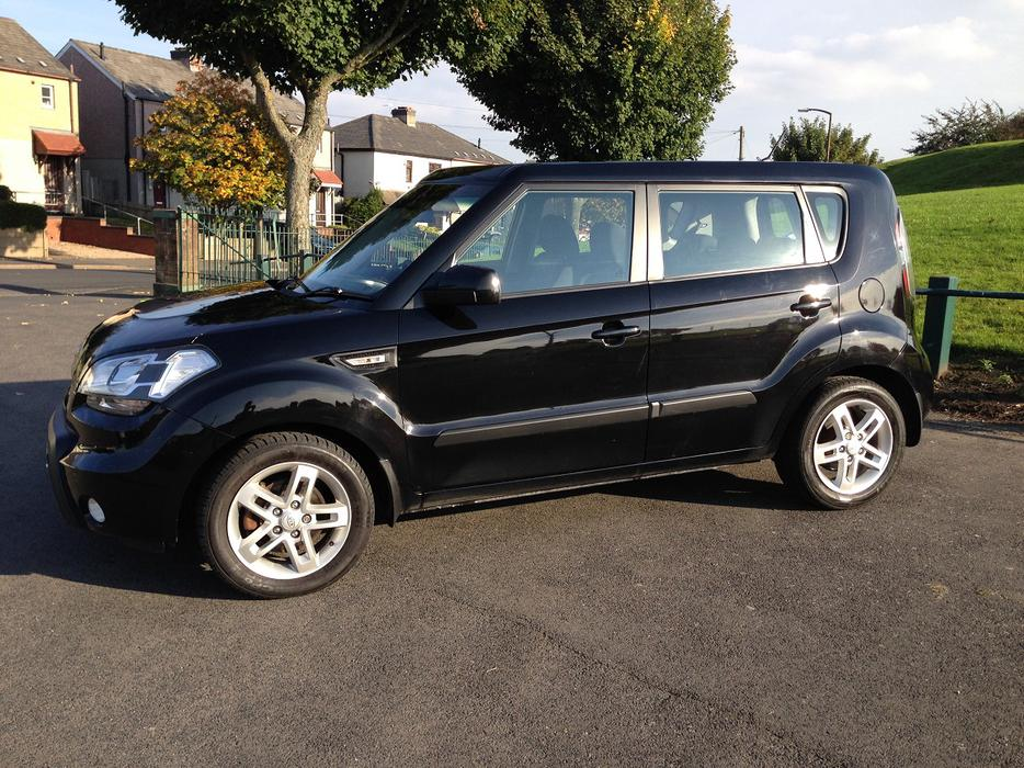 kia soul 1 6 crdi 2011 excellent mpg 1 owner bilston. Black Bedroom Furniture Sets. Home Design Ideas