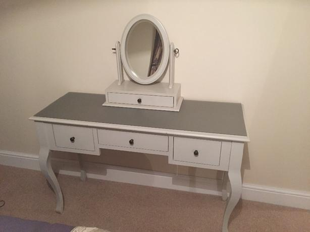the best attitude fabbf f3ed5 Laura Ashley dressing table with mirror WOLVERHAMPTON, Dudley