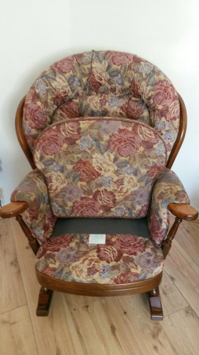 Joynson Holland Wooden Rocking Chairs Amp 3 Seat Settee