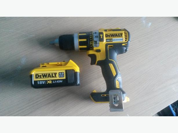 Dewalt Dcd795m2 18v Brushless Motor Combi Drill 75 07443944630 Tipton Wolverhampton