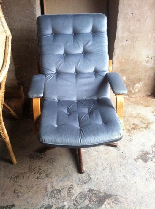 2 chesterfield office chairs other dudley for 1999 mercedes benz e300 turbo diesel for sale